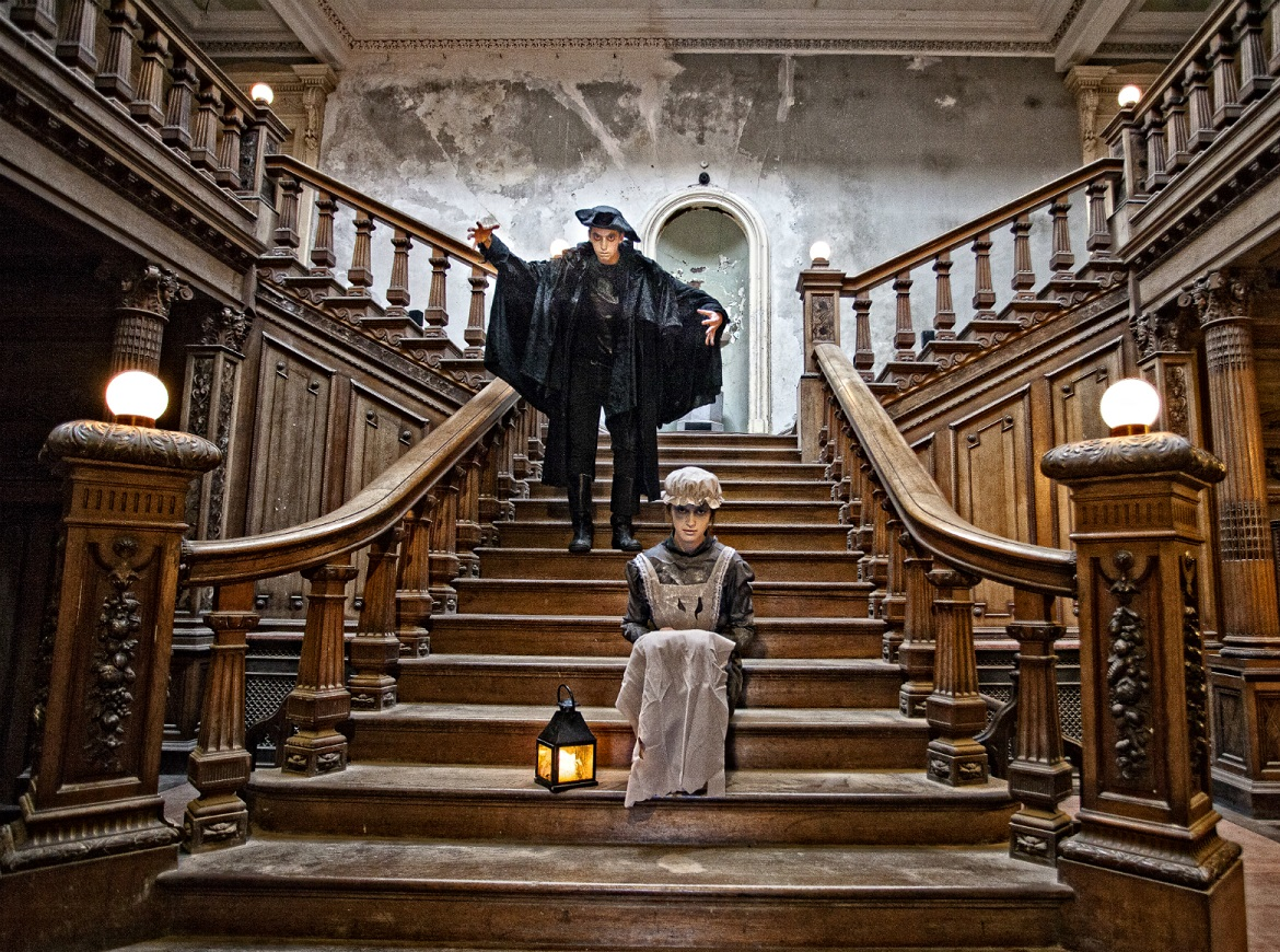 Loftus Hall_Halloween G-Host Dark Stranger Stairs © Gerry Browne
