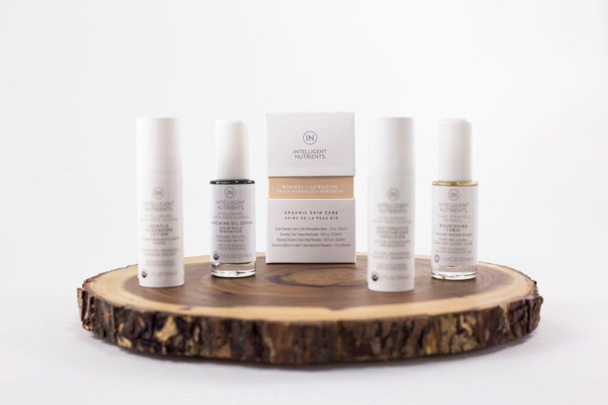 normal_sensitive-skincare-starter-kit-von-intelligent-nutrients-e-8750-mood