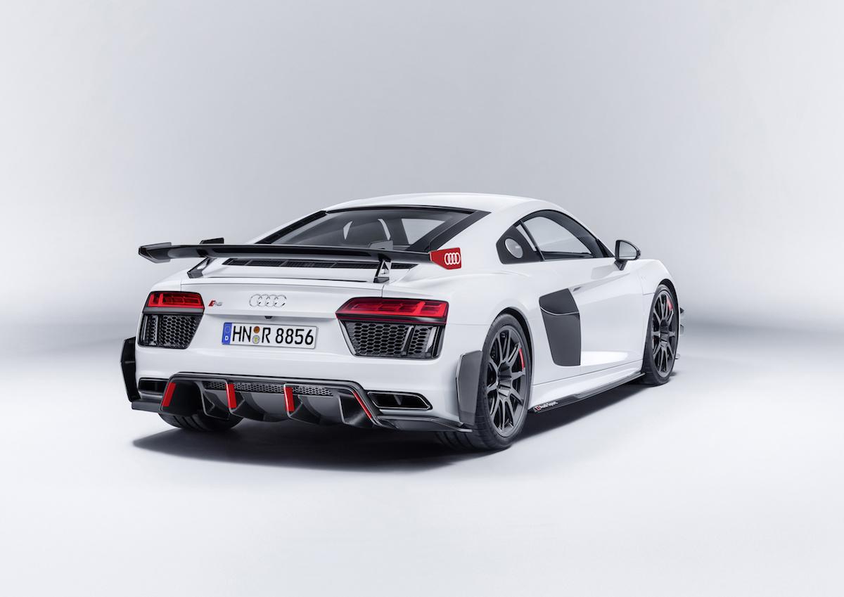 audi r8 sport performance parts aero-kit modelle fahrwerk abgasanlage sportbremsen anpressdruck verbessern kohlenstoffaser schaltwippen