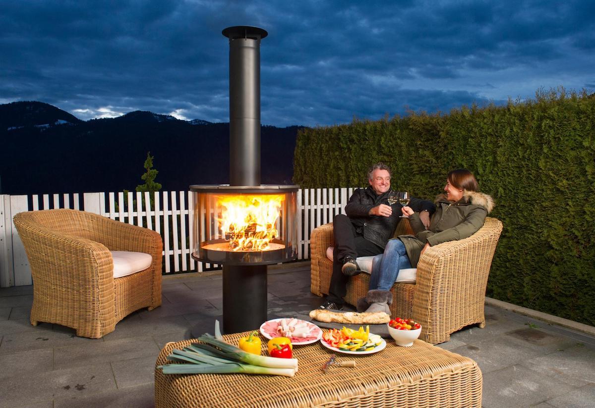 grill feuerstelle cheminée outdoor garten hersteller grillplatten reinigung