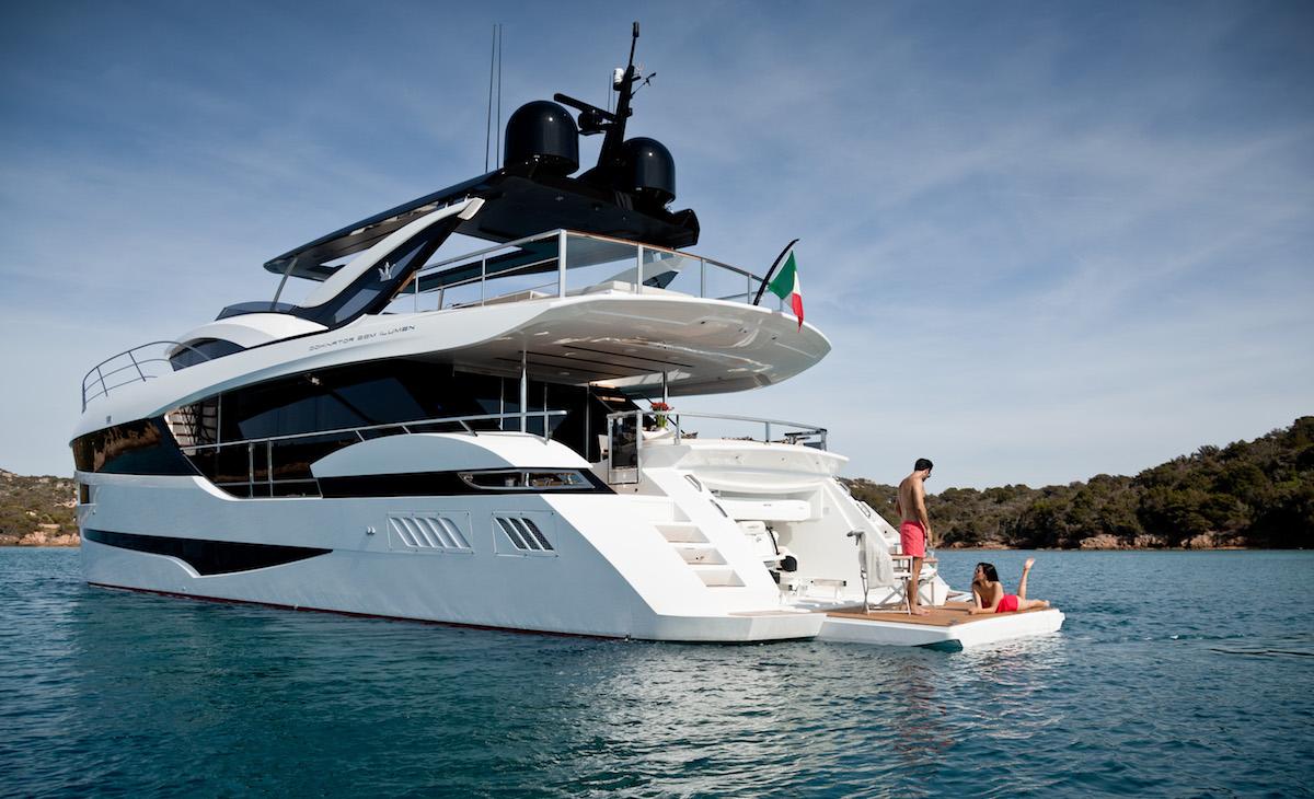 luxury yachts mega-yachts new motor-yachts dominator comfort