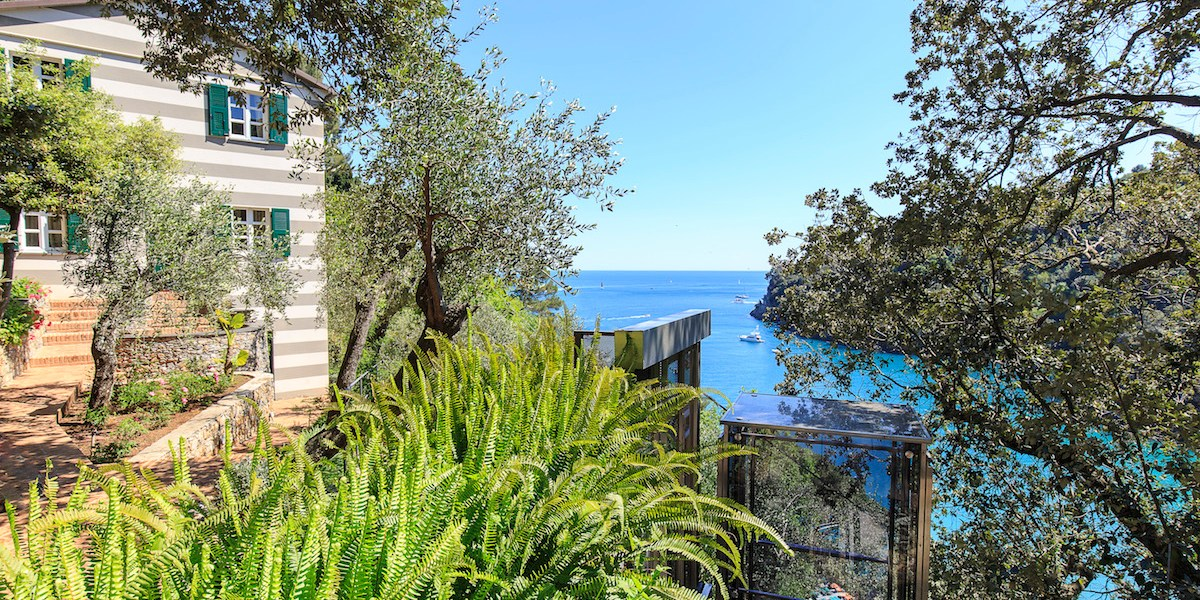 dream-villas villa for sale buy purchase italy tuscany liguria villas most beautiful exclusive sea island