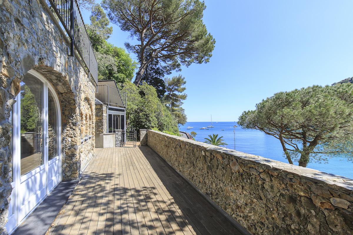 luxusvilla luxusvillen luxushäuser luxushaus italien ligurien toskana kauf kaufen verkauf verkaufen traumvilla traumvillen strand
