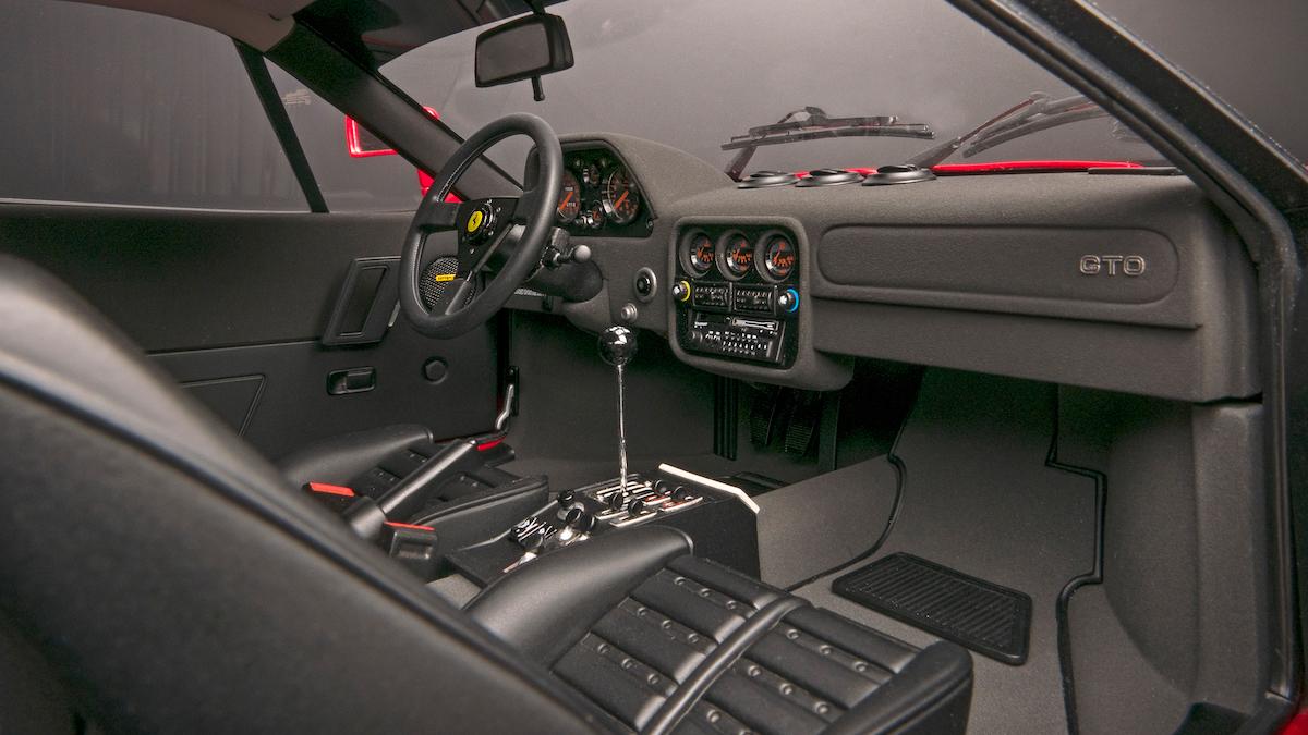 amalgam manufacturer high quality luxury luxurious model cars models scale-models model-cars sportscars race-cars formula 1 ferrari 288 gto interior cockpit