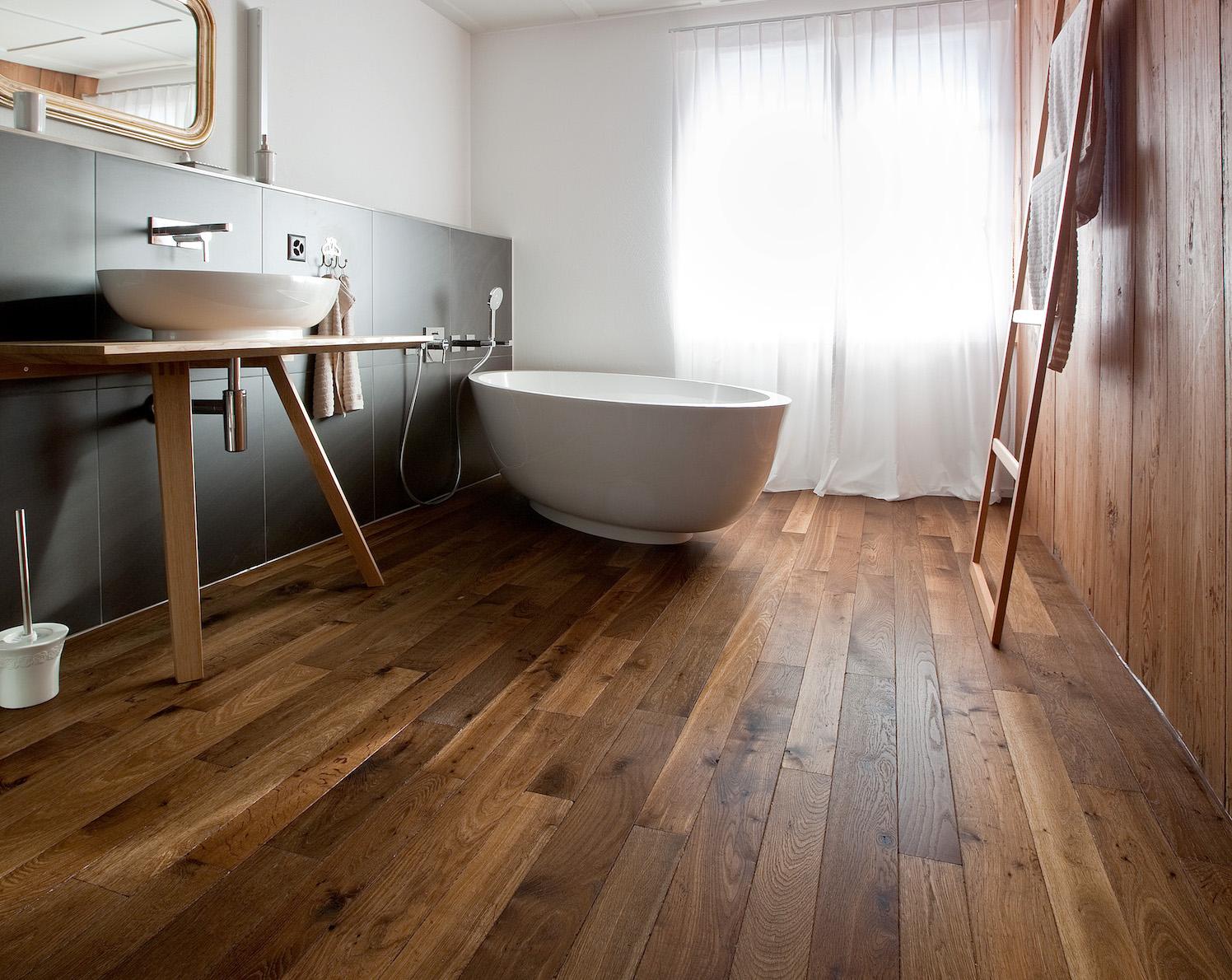 Parkett Im Bad Und Küche : Echtholzparkett für küche und bad von graf parkett proudmag