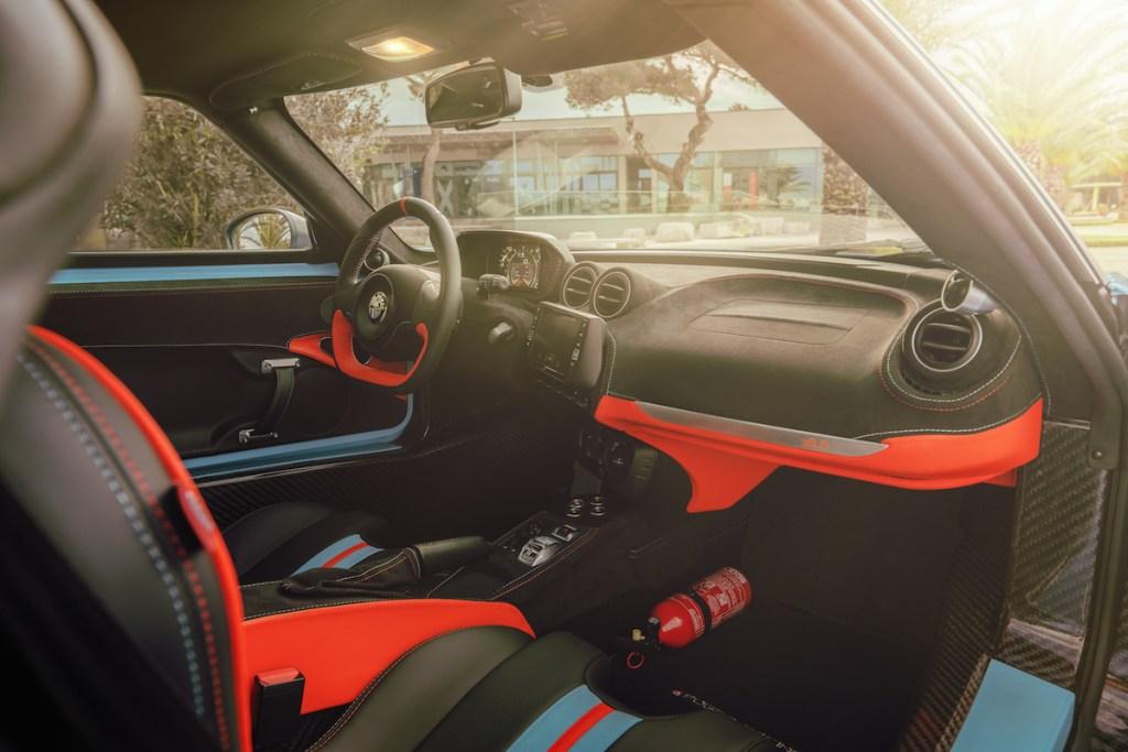 alfa-romeo-4-c pogea-racing tuner upgrade engine performance lightweight interior cockpit