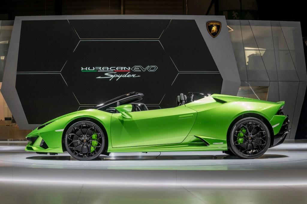 lamborghini-huracan-evo-spyder lamborghini huracan evo spyder convertible new models sports-cars geneva-motor-show-2019 highlights