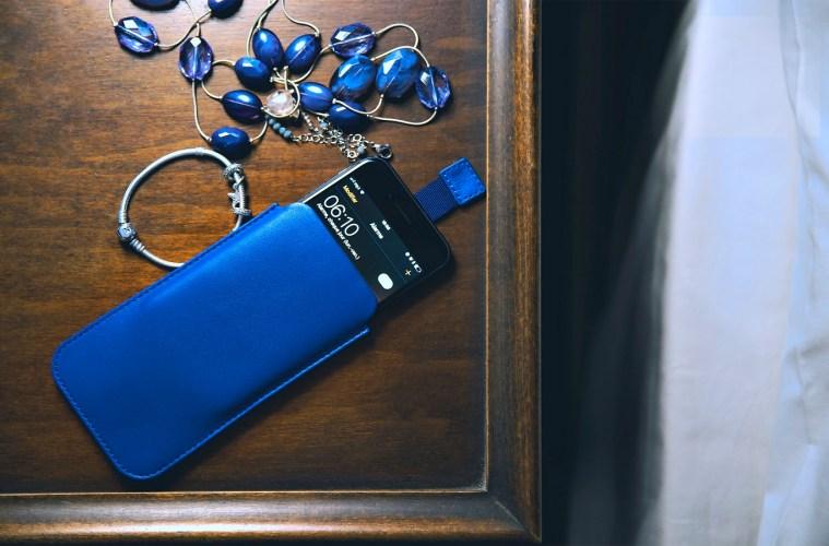 handyhülle lederaccessoire iPhone blau