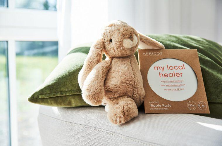 Smarte Helferlein für die Mama Narben- und Brustwarzenpads von APRICOT Beauty and Healthcare
