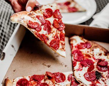 Pizza Salami Nummer 1 in der Schweiz