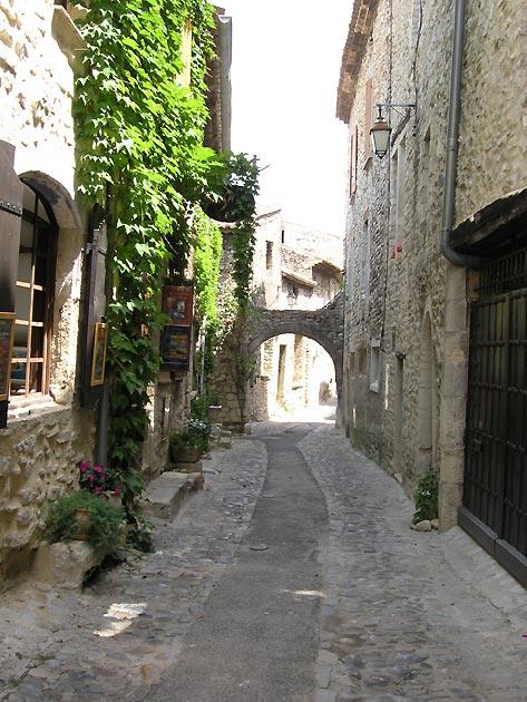 Photo Ruelle De La Ville De Vaison La Romaine