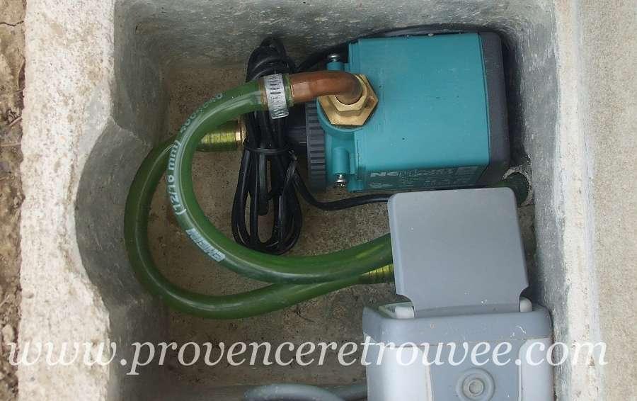 une fontaine en circuit ferme avec pompe