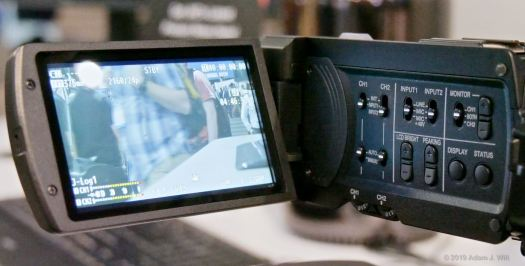 The monitor/XLR pod includes a dedicated PEAKING adjustment rocker