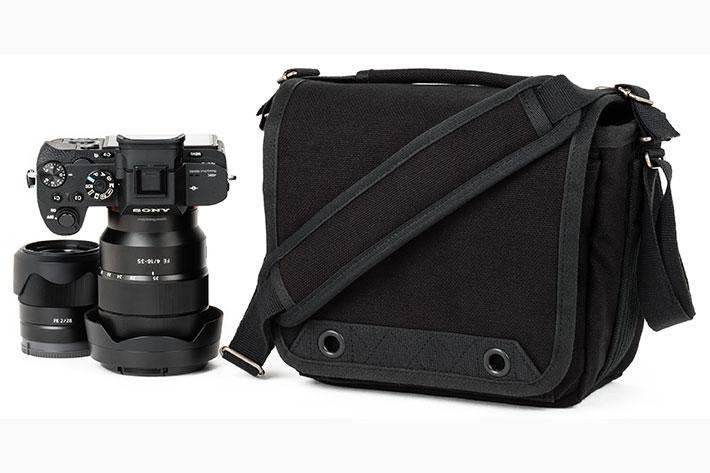 Retrospective 4 V2: a shoulder bag for street photographers
