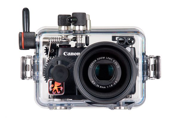 Professional underwater camera