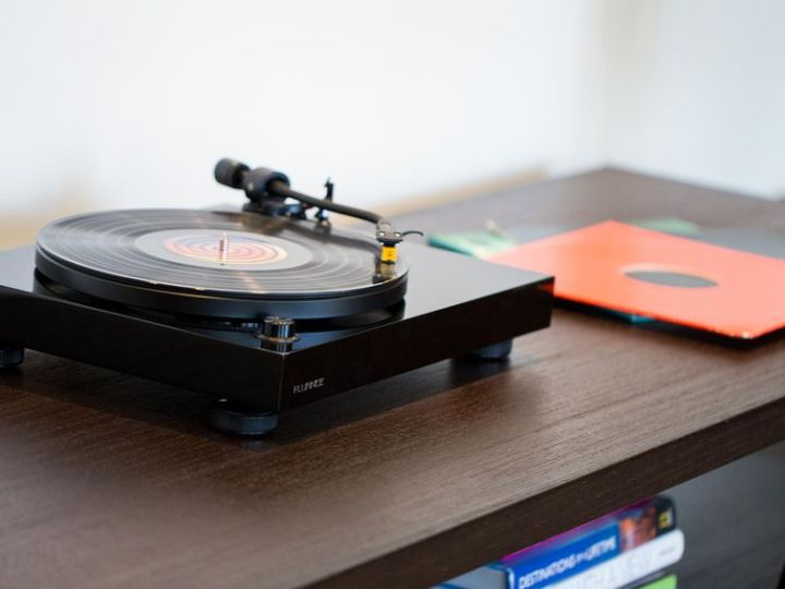 Get the Fluance RT80 entry-level turntable for $170