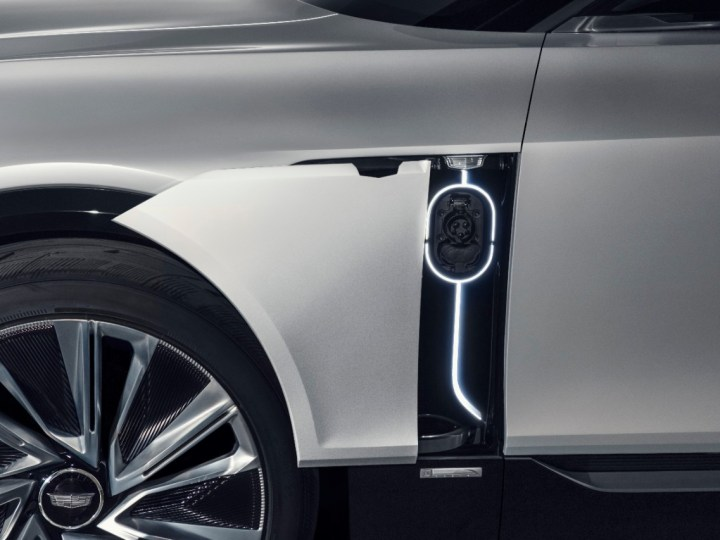 Cadillac reveals Lyriq, its all-electric SUV flagship loaded with luxury and tech – ProWellTech