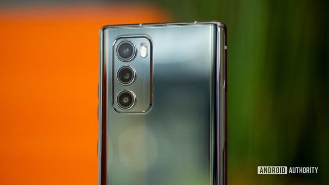 LG Wing back cameras macro