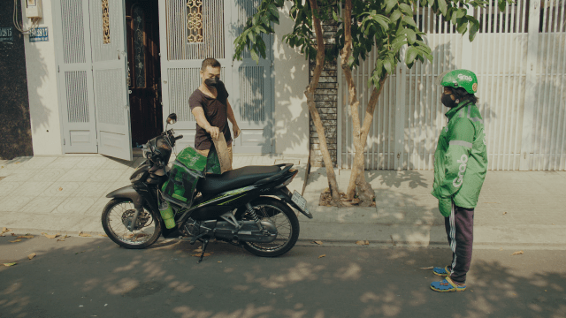 A contactless delivery performed by a Grab courier