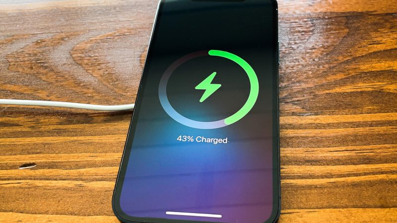 MagSafe on iPhone 12: I was wrong to doubt Apple's magnetic charger