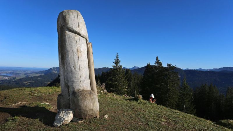 A giant wooden penis statue in Germany has gone missing