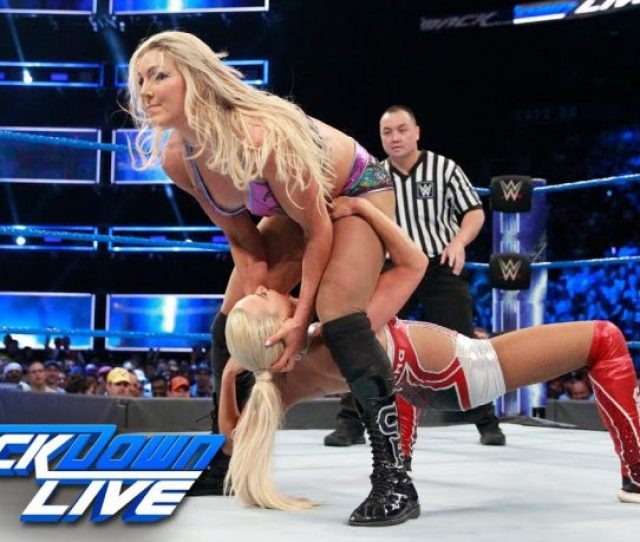 Charlotte Reacts To Her Wardrobe Malfunction On Smackdown Live