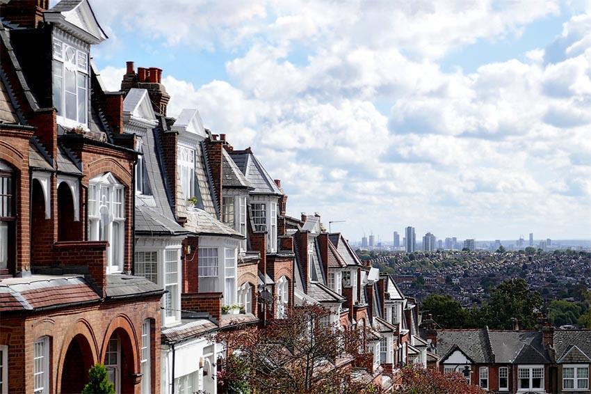 iconos del skyline de Londres: casas edwardianas VS rascacielos