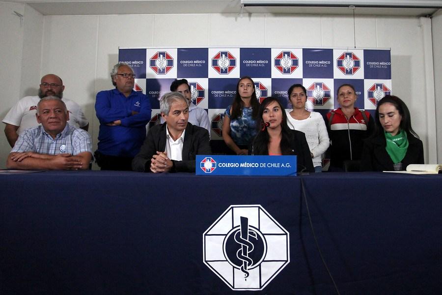 Ante amenazas, agresión y abuso sexual sufrido en Temuco:Colegio Médico de Chile entrega apoyo a Dra. Leonor Olate