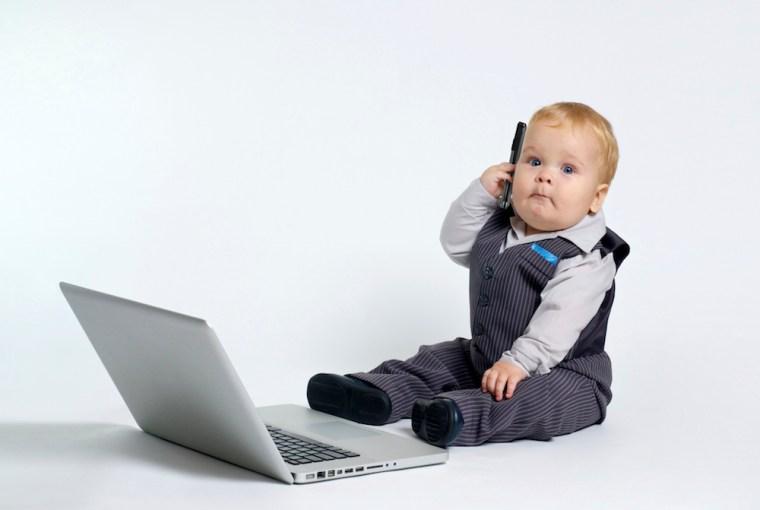 Niños que utilizan gadgets desde bebés experimentan retrasos