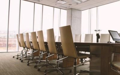 El problema de no abrir la boca en las reuniones