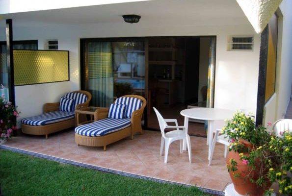 furniture meja kursi model teras rumah sederhana