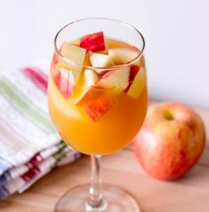 caramel-apple-sangria