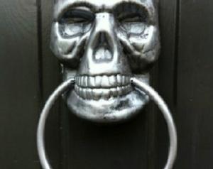 skull knocker