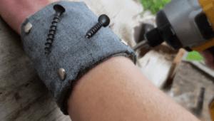 magnetic-wrist-band
