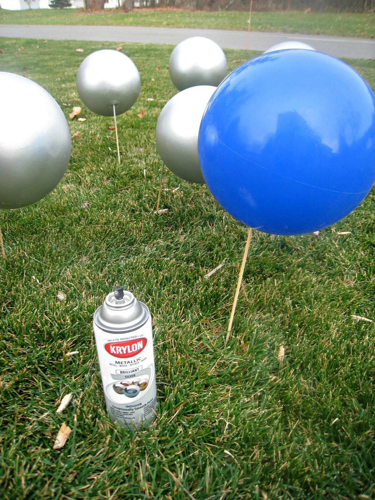 50 Cheap & Easy DIY Outdoor Christmas Decorations ... on Lawn Decorating Ideas  id=91624