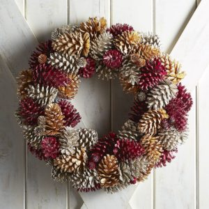 wreath-pinecones