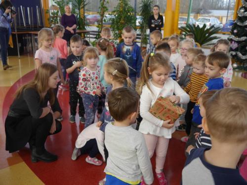 """Przedszkole Radgoszcz,  Akcja ,,Podaruj dzieciom książkę"""""""