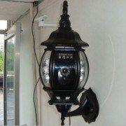 Lampe med kamera udendørs