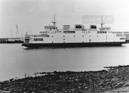 Een nog nieuwe veerboot Koningin Beatrix in de Buitenhaven van Vlissingen.