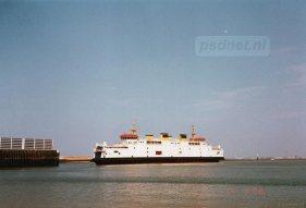 De Prins Johan Friso in de veerhaven van Breskens, we schrijven 1998.