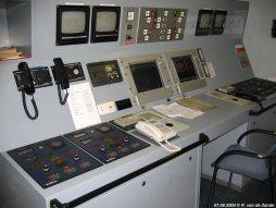 Vanuit de controlekamer benedendeks kan de bemanning comfortabel alle machines in de gaten houden.