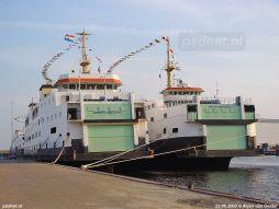 Voor het naderende vertrek werden de drie voormalige PSD-veerboten gepavoiseerd: voorzien van vlaggetjes.