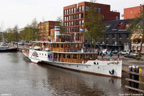 In 2014 kwam de voormalige PSD-boot Westerschelde (1905) voor het eerst in jaren weer een keer in Nederland, hier gezien in Groningen.