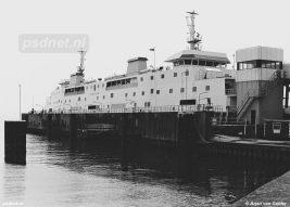 Een nog nieuwe Prinses Juliana in de fuik van Vlissingen die oorspronkelijk in 1958 werd aangelegd en 1986 geschikt werd gemaakt voor dubbeldeksveerboten.