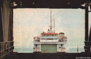 Een krantenknipsel van de laatste vaart voor de veerboot Prinses Margriet op een grijze decemberdag in 1995.
