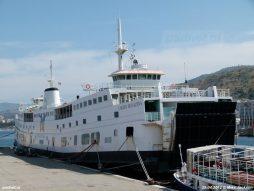 De Ladies Matacena aan de kade in Reggio di Calabria in 2012. Eind 2012 vertrok het schip richting sloopstrand in Turkije.