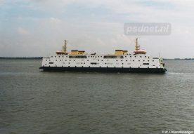De Prinses Juliana gefotografeerd vanaf de andere veerboot op de dienst Kruiningen-Perkpolder.