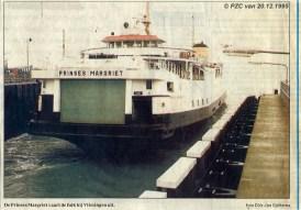 Een krantenknipseltje van de laatste vaart van de veerboot Prinses Margriet.