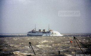 Dat de PSD-schepen af en toe wat buiswater incasseerden is bekend, de golven bij windkracht 11 zijn toch van een ander kaliber.