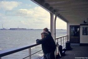 Passagiers aan boord van de Prinses Margriet.